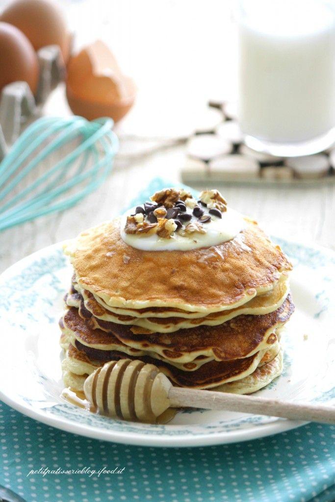 Pancake allo yogurt e fiocchi d'avena