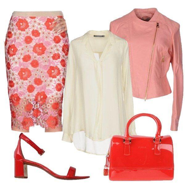 La gonna a fiori dall'aria romantica è perfetta per una serata speciale con le amiche. La blusa panna raffinata, il giubbotto di pelle rosa e gli accessori rosso laccato ma dall'aria bon ton, evitano volutamente l'effetto sexy.