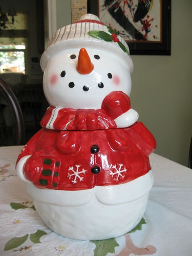 "Snowman Cookie Jar by Fitz & Floyd. Aww, this would look cute in ur kitchen, TZB!! ""RED"""