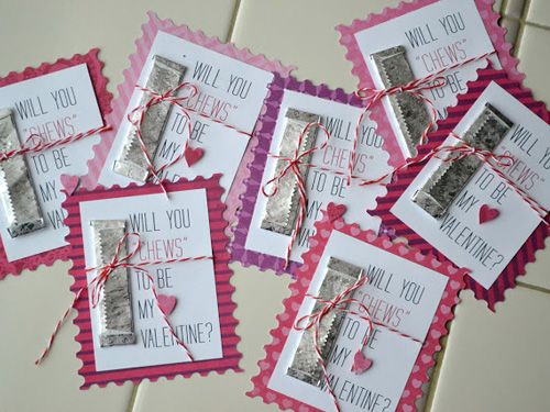 A pack of gum, scrapbook paper, and baker's twine are all you need for these quick Valentines — perfect to make in bulk for your office or book club. #valentinesday #crafts #diy