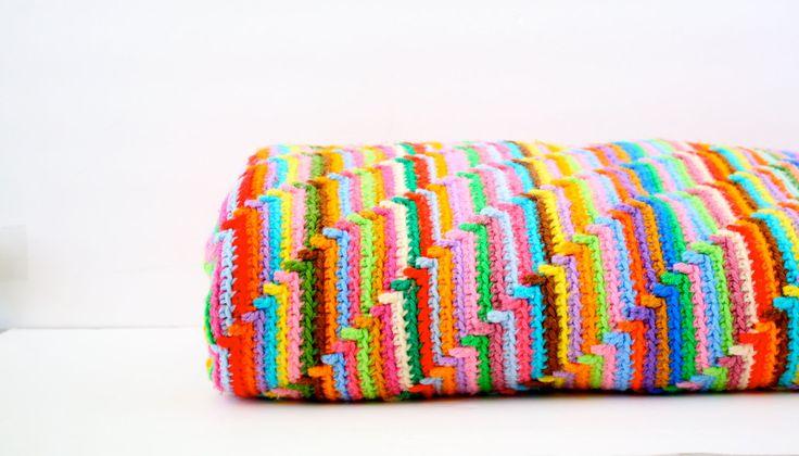Vintage rainbow crochet blanket. $48.00, via Etsy.: Crochet Blankets, Groovyghan, Crochet Afghans, Afghans Patterns, Groovi Ghan, Blankets Patterns, Crochet Patterns, Free Patterns, Crochet Knits