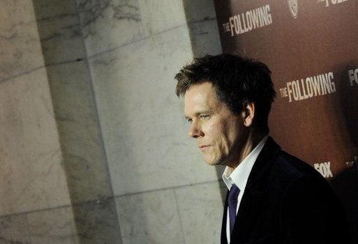 Kevin Bacon talks to David Letterman about his wife's housecleaning habits