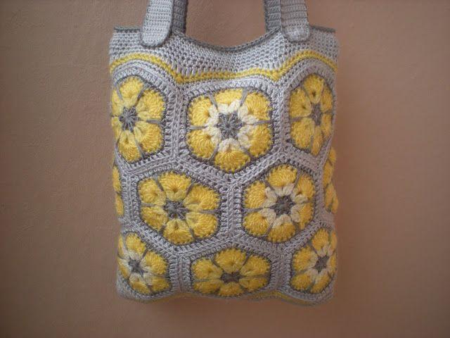 EmmHouse: Beurs met gele bloemen