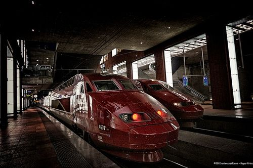 Two Thalys in A-Town at the same time - how great is that!