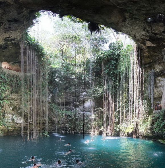 Natural Holes in the Earth, Mexico