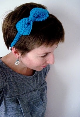 Tiara de crochê: Cute Bows, Crochet Projects, Free Pattern, Free Crochet, Crochet Bows, Crochet Patterns, Bow Headbands, Crochet Headbands, Crochet Hair