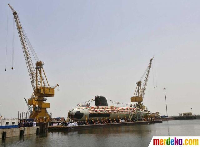 Kapal selam bertenaga diesel-listrik ini dilengkapi dengan sistem persenjataan torpedo Black Shark.