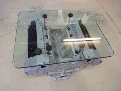Mercedes-W210-V8-Tisch-Designertisch-Motorblock-20-mm-Glasplatte
