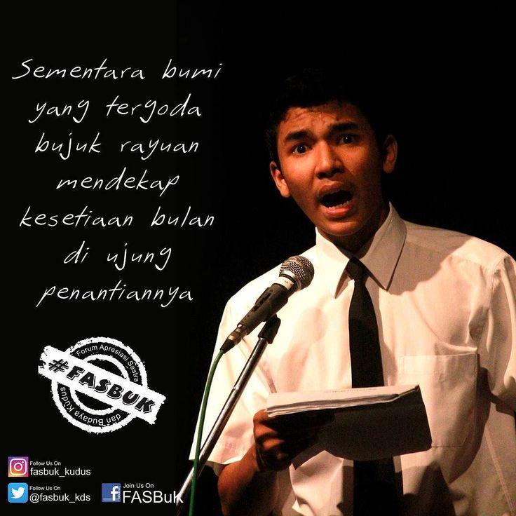"""Merenda Untaian Karya Mengenang """"Aryo Gunawan""""  Sebelum Fajar Menjelang Ketika malam menyatukan keheningan Bumi berselimut kabut Mari mengubur kenangan dan impian ....... ......... Penggalan Puisi yang ditulis di Magelang 14 Mei 2003 @teaterstudioone  #fasbuk #indonesiakaya #seputarkudus #sangswara #teaterkuncupmekar #kudus #teaterstudioone"""
