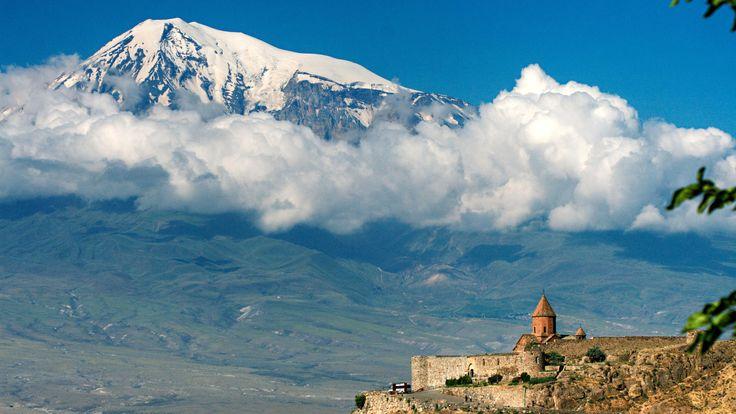 Туры в Хор Вирап Туры в Хор Вирап. Kомпания Armenian-Tourism предлагает, Туры в Армению в Хор Вирап. Туры на 1 день. Тур является однодневным, и в течение всего дня мы вам гарантируем полную информацию о истории Хор Вирапа Тел+7(965)088-77-55, Тел+374(55)21-11-25.http://armenian-tourism.ru/tury-v-armeniyu-hor-virap.php