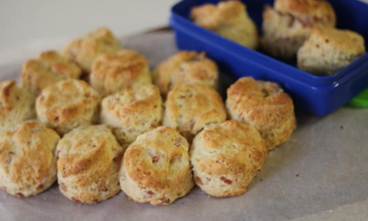 These little cheese and bacon scones are perfect to pop into lunch boxes. They are really easy to make and can be a perfect accompaniment to a soup in winter.