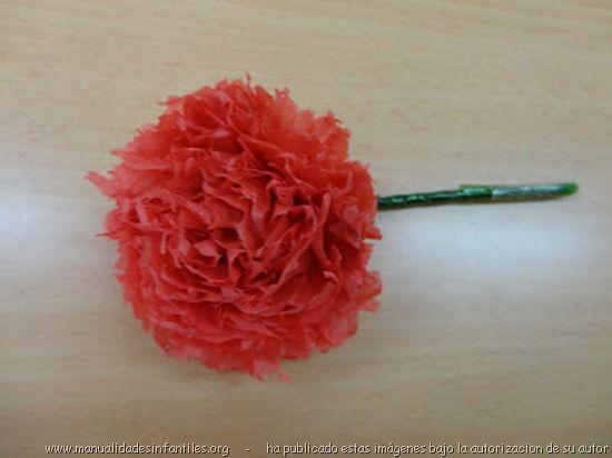 Claveles de papel para el dia de la madre: http://www.manualidadesinfantiles.org/flores-de-papel-2/