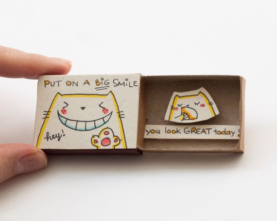 "Love Encourage Friendship Card You look great today Matchbox / Gift box / Message box ""Put on a big smile - You look great today"""