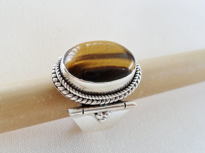* TIGER EYE RING * * Sterling Silver * * Size 6 3/4 *
