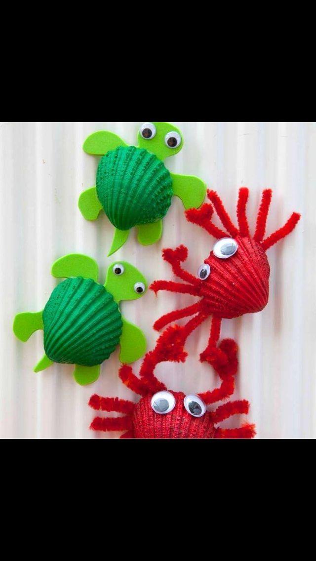 dieren gemaakt van schelpen leuk idee voor onthaalouder of voor in de kleuterklas.