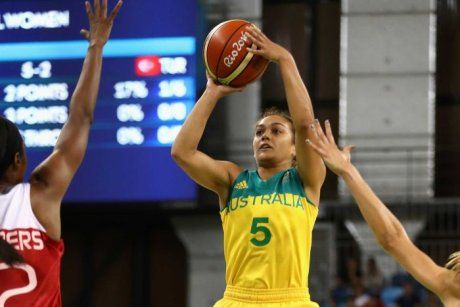 Leilani Mitchell shoots against Turkey on day two of the Rio Olympics