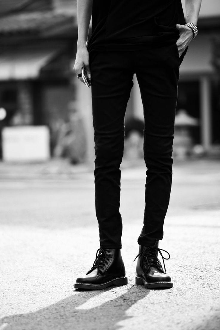 Black on black with Doc Martens <3