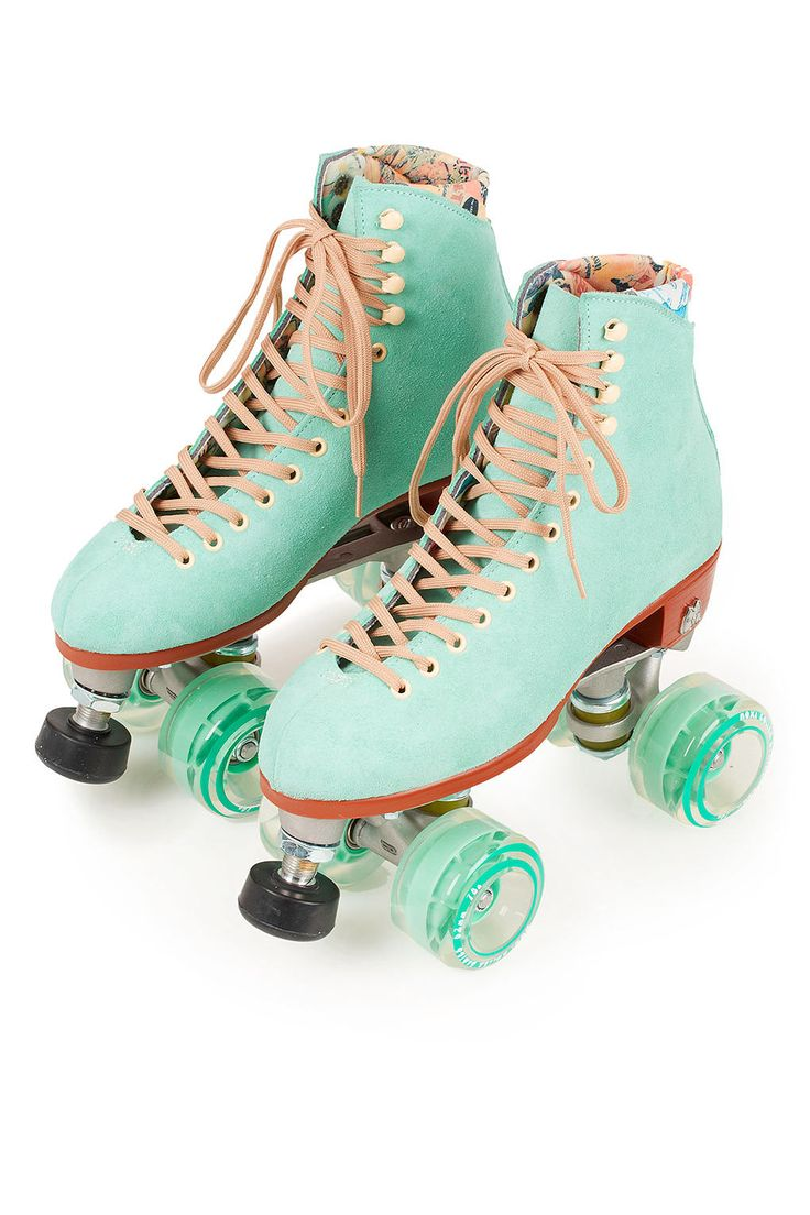 Moxi Teal Roller SKates Shoes Shoes Shoes! Pinterest