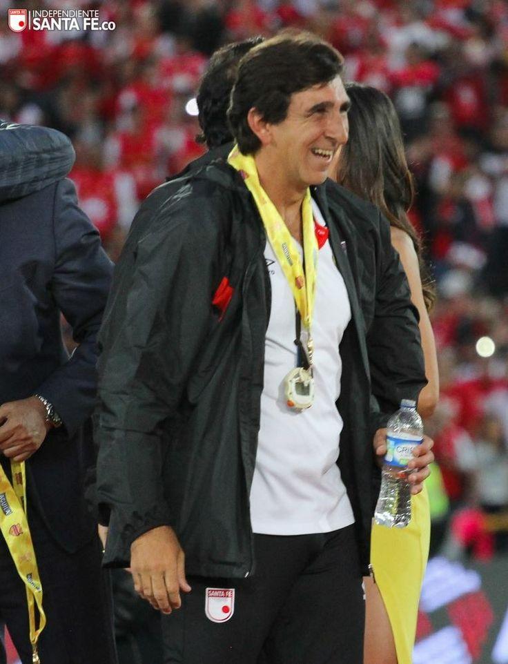 DT Gustavo Costas