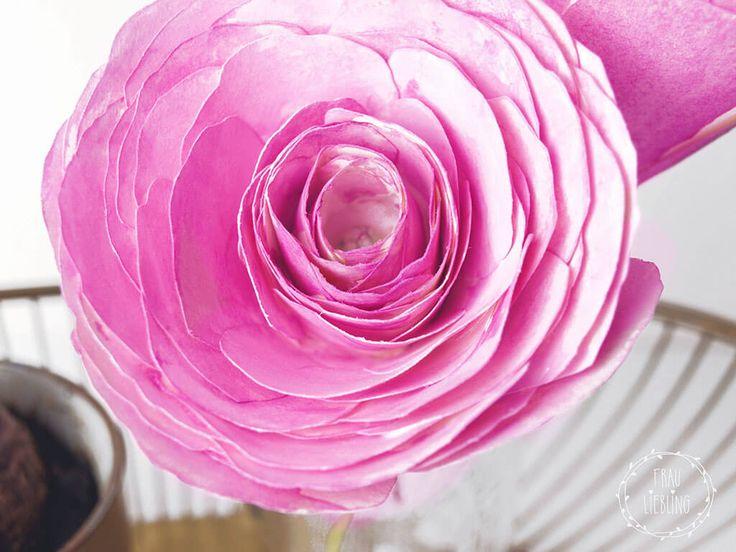 Schnell und einfach schöne Papierblumen für deine Frühlingsdeko oder als Geschenk für deine Liebsten. Mit Vorlage zum kostenlosen downloaden.
