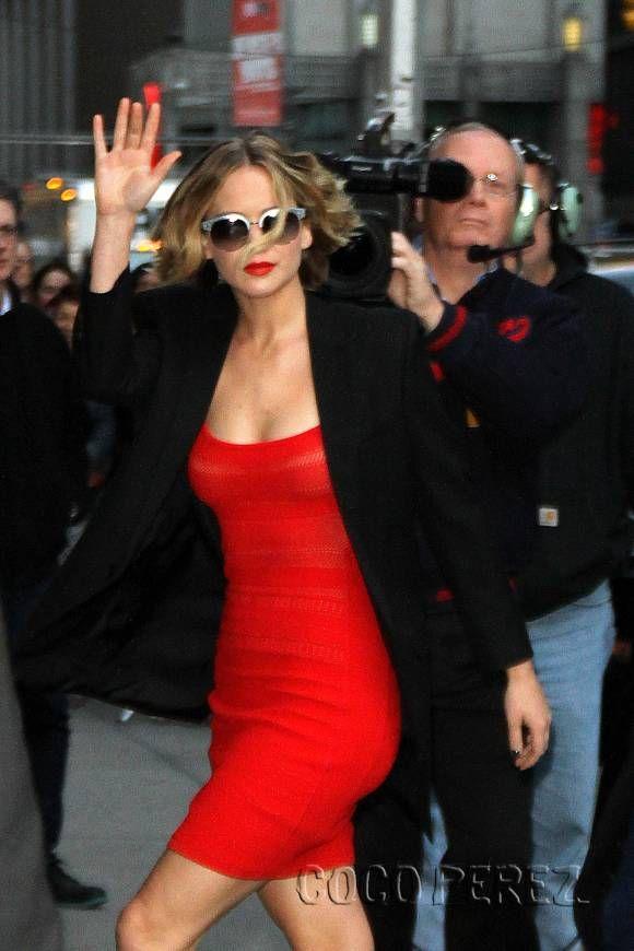 Jennifer Lawrence rocks a little red dress
