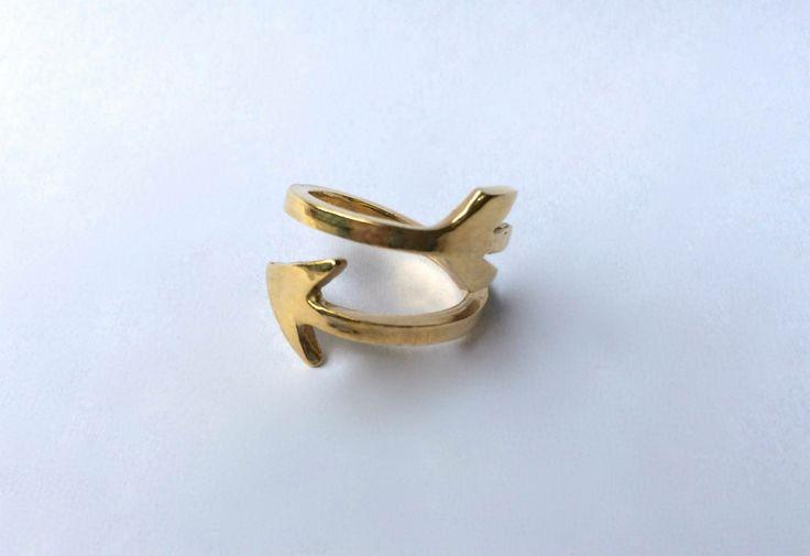 Freccia, anello in bronzo giallo