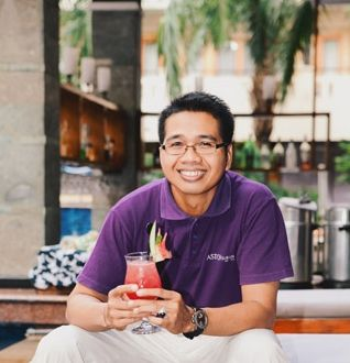 "Representing Aston Inn Tuban was Bagus and his cocktail creation, Red Jasper. ""I didn't expect to win the bartender competition at all but I did, and it was a very valuable experience,"" says the calmly spoken supervisor. His aspiration is to continue learning everything there is to learn in the F&B industry. Aston Inn Tuban 