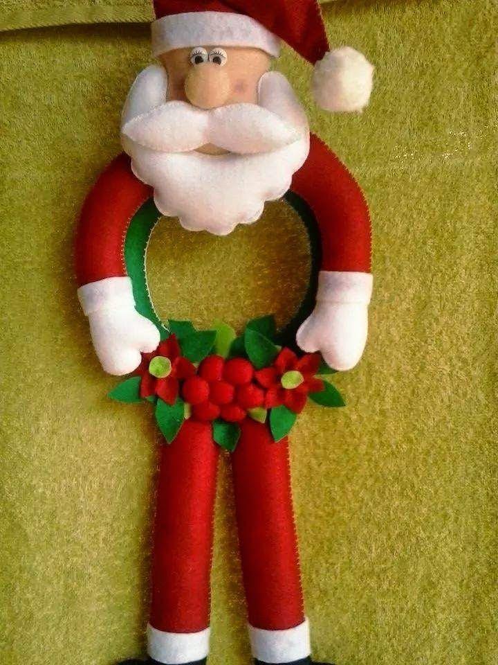 Quer caprichar na decoração do seu Natal? Então vale a pena com Fazer o Boneco do Papai Noel, ele é feito de Feltro. O Papai Noel Boneco é u...