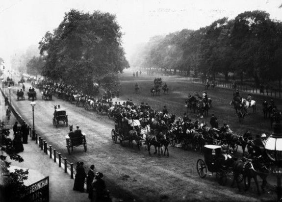 Hyde Park Riders  circa 1890:  Horse riders and carriages take a spin along the bridle path in London's Hyde Park.  (Photo by London Stereoscopic Company/Getty Images).