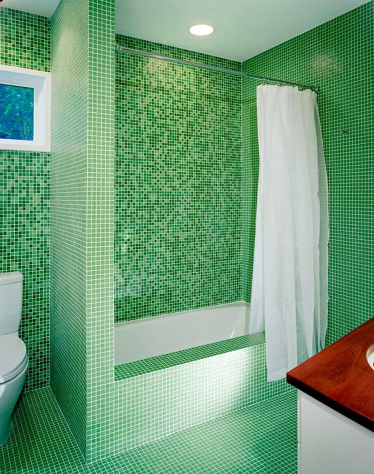 This green bathroom is certainly ready for the holiday!