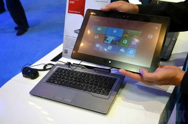 Fujitsu Stylistic Q702 Windows 8 tablet http://newtechnik.com/notebooks/windows-8-tablets-touch-laptops-overview-2012-ifa/#