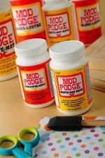 magazine.foxnews: Guide to Mod Podge Mod Podge has several formulas — which are all good for gluing and sealing — but have different finishes. The following is a list of formulas you can use to achieve various looks on your projects: