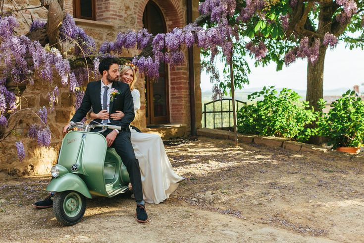 Vespa Wedding Transport | Belle & Bunty Dresses | Italian Eye | Wedding Planning & Styling In Italy | The Flower Appreciation Society | Borgo Sant'Ambrogio | Lily Vanilli | Images by Adam Crohill | http://www.rockmywedding.co.uk/tutti-frutti/