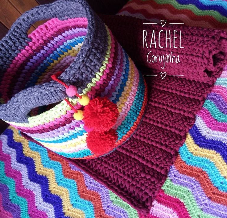 """465 curtidas, 19 comentários - Rachel Corujinha (@rachelcorujinha) no Instagram: """"Mais cor por favor !! Cesto feito com as sobras de fio com mais metros 💖 #presentefeitoamao…"""""""