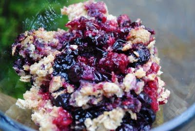 BLUEBERRY RASPBERRY CRUMBLE. perfect summer dessert!Baking Desserts, Blueberry Raspberries Crumble, Enchanted Spoons, Sweets Treats, Blueberryraspberri Crumble, Summer Desserts, Berries Blue, Blueberries Raspberries, Perfect Summer