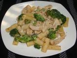 Bertucci's Rigatoni, Broccoli and Chicken with Cream Sauce