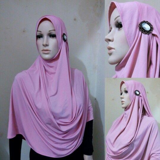 Tudung 2 face Price $6 Fabric spandek jersey Size 180x78cm Cp. Wa/sms 082126026554