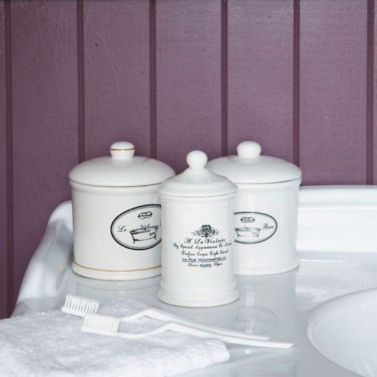 Google Image Result for http://housetohome.media.ipcdigital.co.uk/96/00000f09c/0c41_orh550w550/Bathroom-jars-from-homestyle-accessories.jpg
