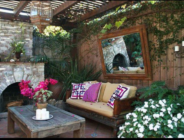 If there was a way to do it, I'd love to have an area like this outside my bedroom.
