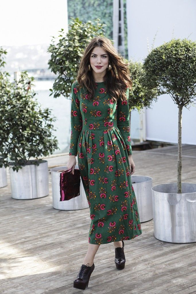 Sokak modası: Uzun Kollu Elbise