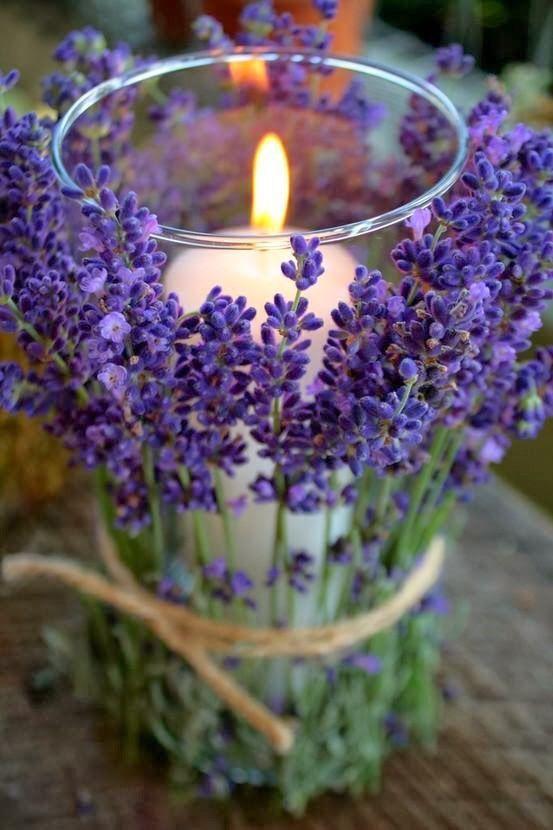 Простой, не составляющий труда вариант оформления свечи на свадьбе в стиле рустикс