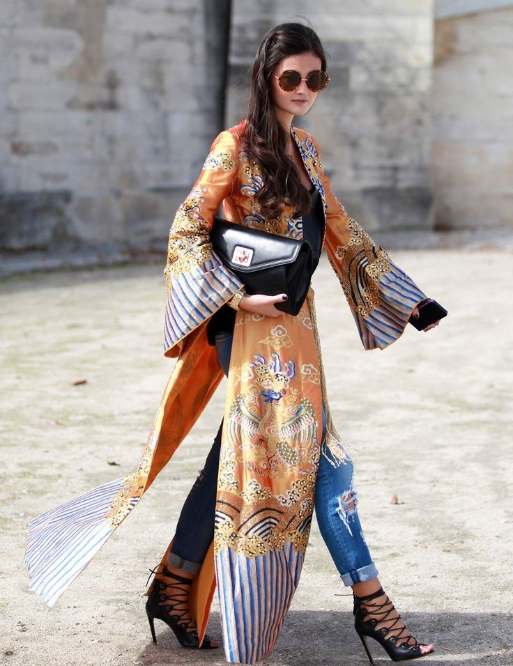 Street Style | Stepping Out in Kimono, Ripped Jeans & Strappy Pumps | from: threadsence.com | | { Couture /// Runway Every Day 1