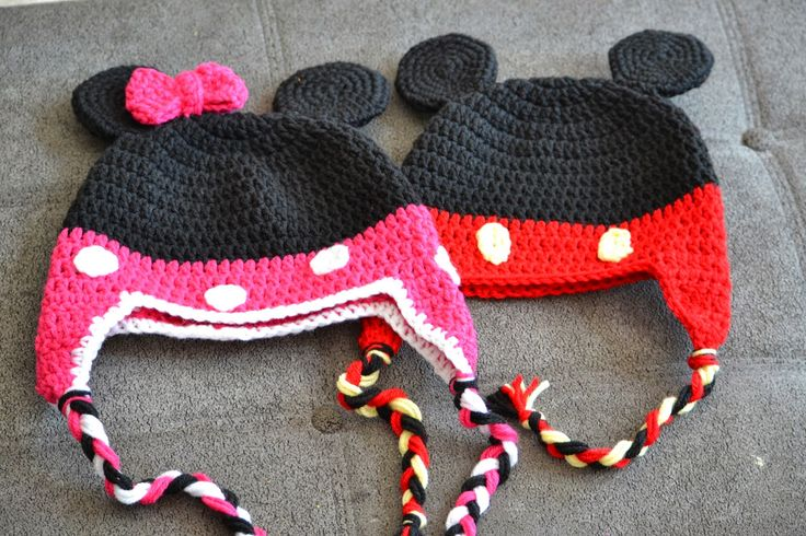 Free Crochet Pattern Minnie Mouse Shoes : Knotty Knotty Crochet: Minnie Little Mouse hat, shoes and ...