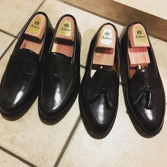 2017/09/04 20:29:40 furafu AW用に新調した2足の#オールデン  右が#タッセルローファー 左が#ペニーローファー 写真じゃ分かりにくいですが、右のタッセルは#バーガンディー ローファーは気が付くとオールデンばっかり選んでます 本当は『靴のロールスロイス』と評されてる#HEINRICH DINKELACKER#ハインリッヒ ディンケラッカー のタッセルローファーも捨てがたいんですが… とにかく今年の秋冬もこの子達に活躍してもらいます #alden オールデン#cordvan#コードバン #Tasselloafers タッセルローファー#pennyloafer ペニーローファー #ファッション #コーディネート #コーデ記録 #今日のファッション #今日のコーデ #今日のコーディネート #コーデ #夏コーデ #メンズファッション #mensfashion #おしゃれさんと繋がりたい #お洒落好きな人と繋がりたい #お洒落な人と繋がりたい #お洒落さんと繋がりたい #おしゃれ好きな人と繋がりたい #おしゃれな人と繋がりたい #30代ファッション