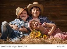 Familienurlaub Bauernhof - Ferien dem Bauernhof mit der Familie  In der Ferienzeit nutzen viele Familien die Möglichkeit, in den Urlaub zu fahren. Die heutige Zeit bietet unzählige Reiseziele, sodass für jeden der passende Urlaubsort zu Verfügung steht. Gerade aufgrund dieser großen Auswahl ist es häufig schwierig, sich für ein Ziel zu entscheiden.