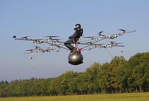 e volo Le premier vol dun multicoptère électrique radiocommandé avec un homme à bord !