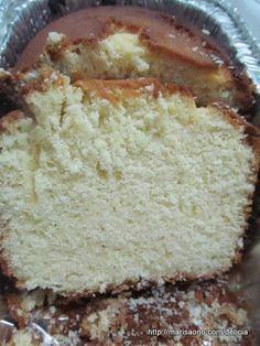 Engraçado esse negócio de nomes de bolos, não? Fiquei me perguntando porque esse bolo tem esse nome, em específico. A única explicação é que é similar ao sandkuchen alemão. Tem uma textura firme, é…