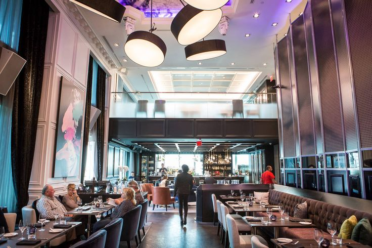 Tourist trap restaurants in Toronto attract diners with their prime locations or proximity to hotels and attractions, but don't be fooled: these re...