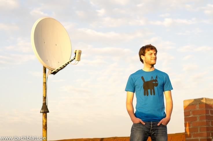 The Cat T-Shirt from Thokk Thokk! http://www.bachblatt.de/Maenner/Shirts/THOKKTHOKK-Cat-T-Shirt-blau.html