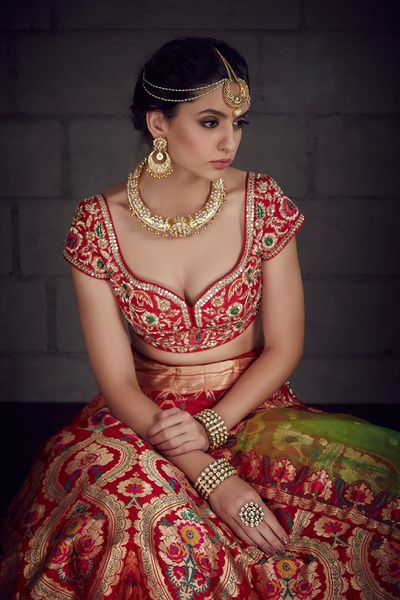 Sangeet Lehengas - Beautiful Red Bridal Lehenga | Sweetline Neck Blouse with Banarsi Red Lehenga with a Gold Choker, Maang Tikka and Matha Patti #wedmegood #indianbride #indianwedding #banarsi #choker Outfit by: Benzer